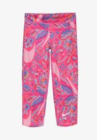 Nike Performance - ALL IN CAPRI FEMME - Rybaczki sportowe - hyper pink/white - 2