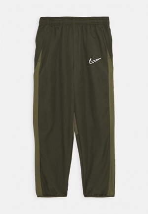 DRY ACADEMY PANT - Teplákové kalhoty - cargo khaki/medium olive/white