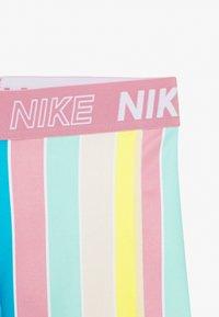 Nike Performance - BOY SHORT - Sportovní kraťasy - white/magic flamingo - 3