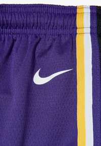Nike Performance - NBA LOS ANGELES LAKERS STATEMENT SWINGMAN  - Pantalón corto de deporte - court purple