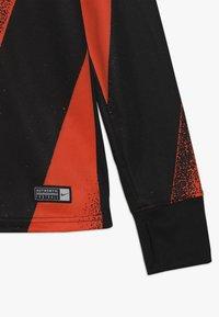 Nike Performance - CHELSEA LONDON DRY CREW  - Klubové oblečení - rush orange/black - 2