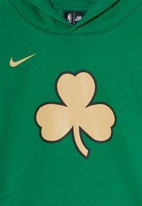 Nike Performance - NBA BOSTON CELTICS HOODIE CLUB CITY - Pelipaita - clover - 3