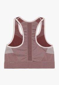 Nike Performance - FENOM SEAMLESS BRA - Sports bra - echo pink/cedar - 1