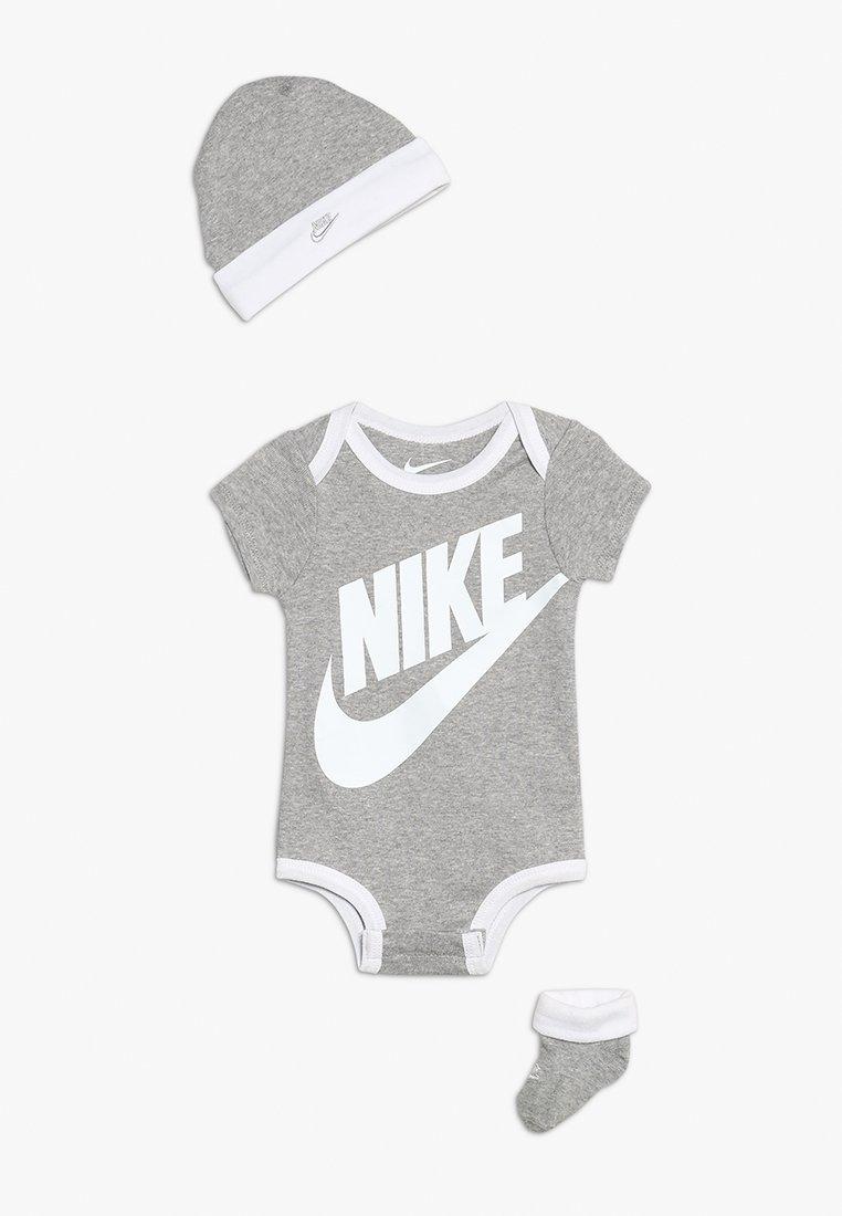 Nike Performance - FUTURA LOGO HAT BODYSUIT BOOTIE SET - Muts - dark grey heather