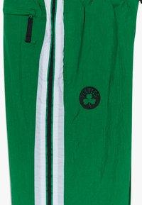 Nike Performance - NBABOSTON CELTICS TRACKSUIT COURTSIDE - Klubbkläder - clover - 3