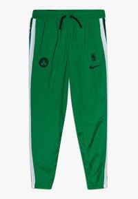 Nike Performance - NBABOSTON CELTICS TRACKSUIT COURTSIDE - Klubbkläder - clover - 2