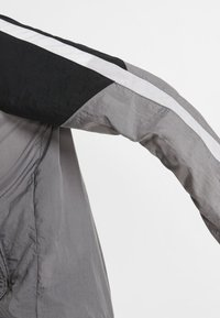 Nike Performance - Træningssæt - grey/black/white - 5