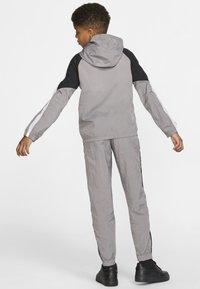 Nike Performance - Træningssæt - grey/black/white - 2