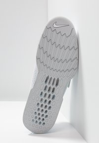 Nike Performance - ROMALEOS 3.5 - Sports shoes - white/metallic platinum - 4
