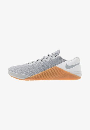METCON  - Zapatillas de entrenamiento - wolf grey/white/medium brown