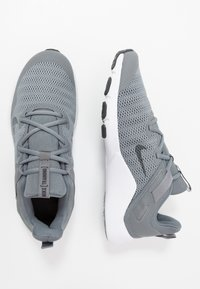 Nike Performance - LEGEND ESSENTIAL - Scarpe da fitness - smoke grey/dark smoke grey/particle grey - 1