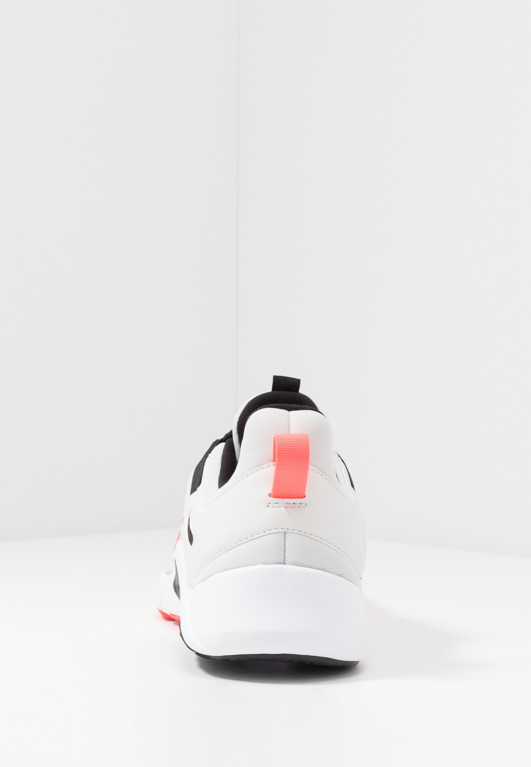 Nike Performance Legend Essential - Treningssko Photon Dust/laser Crimson/black/white