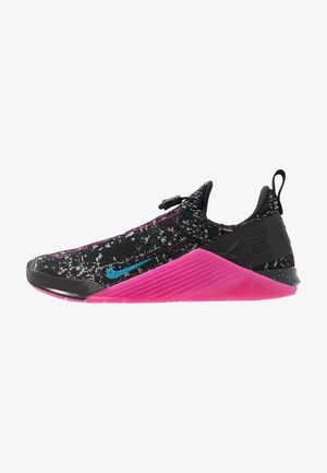 REACT METCON AMP - Sports shoes - black/blue fury/fire pink/green strike