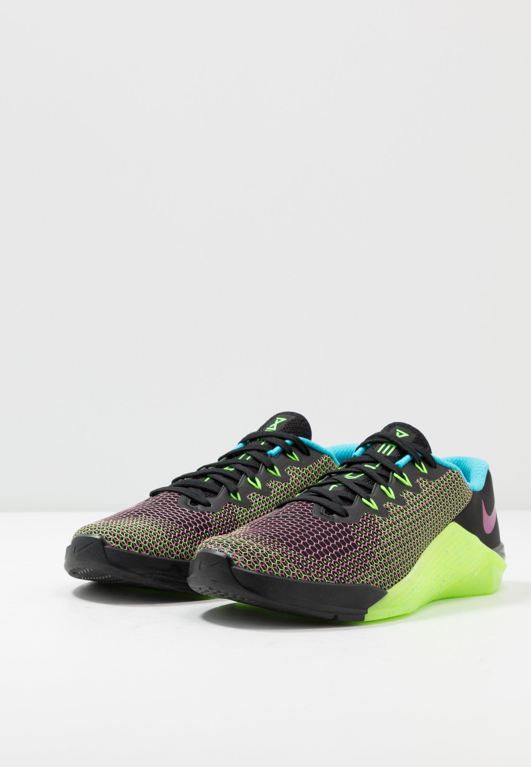 Nike Performance METCON 5 AMP - Trainers - black/fire pink/green strike/blue fury