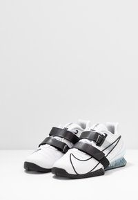 Nike Performance - Treningssko - white/black - 2