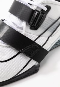 Nike Performance - Treningssko - white/black - 5