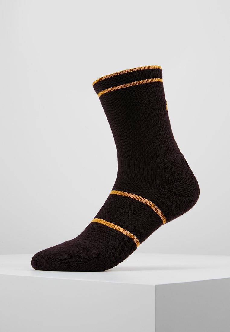 Nike Performance - COURT ESSENTIALS CREW - Calcetines de deporte - burgundy ash/canyon gold