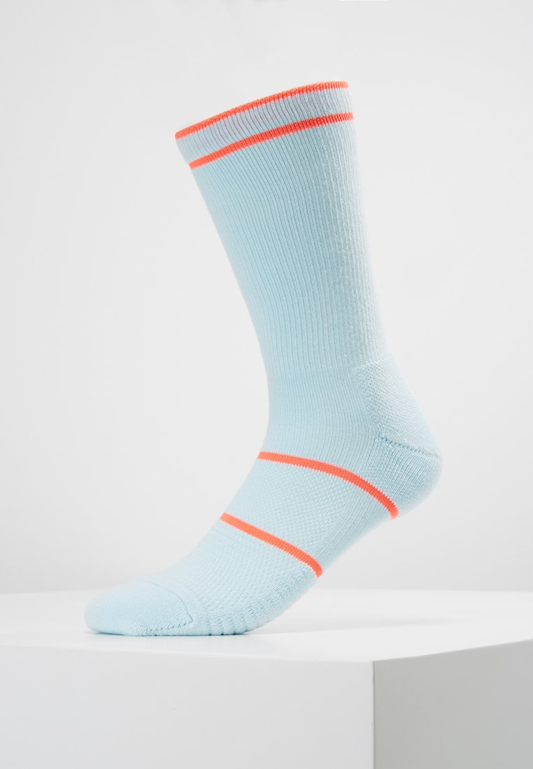 Nike Performance - COURT ESSENTIALS CREW - Calcetines de deporte - half blue/white