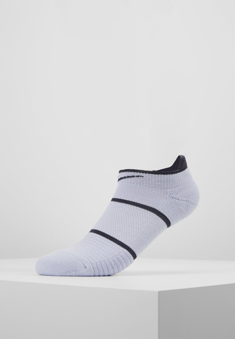 Nike Performance - COURT ESSENTIALS - Füßlinge - oxygen purple/light carbon