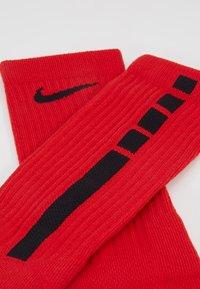 Nike Performance - ELITE CREW - Skarpety sportowe - university red/black - 2