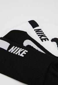 Nike Performance - Calcetines de deporte - white/black - 2