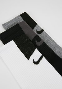 Nike Performance - EVERY CUSH TECH 3 PACK - Sports socks - multicoloured - 2