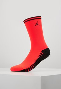 Nike Performance - PARIS ST GERMAIN JORDAN SQUAD CREW - Sportovní ponožky - infrared/black - 0