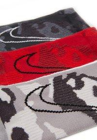 Nike Performance - EVERYDAY MAX CUSH CREW 3 PACK - Calcetines de deporte - multicolor - 2