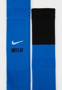 Nike Performance - INTER STAD SOCK - Kniekousen - blue spark/black/white - 1