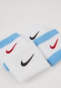 Nike Performance - WRISTBANDS 4 PACK - Ranneke/hikinauha - white/university blue/university red - 2