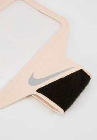 Nike Performance - LEAN ARM BAND - Andet - echo pink/black/silver - 8