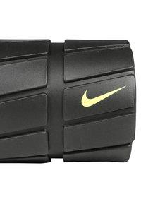 Nike Performance - RECOVERY FOAM ROLLER 13 - Jiné - black/volt - 3