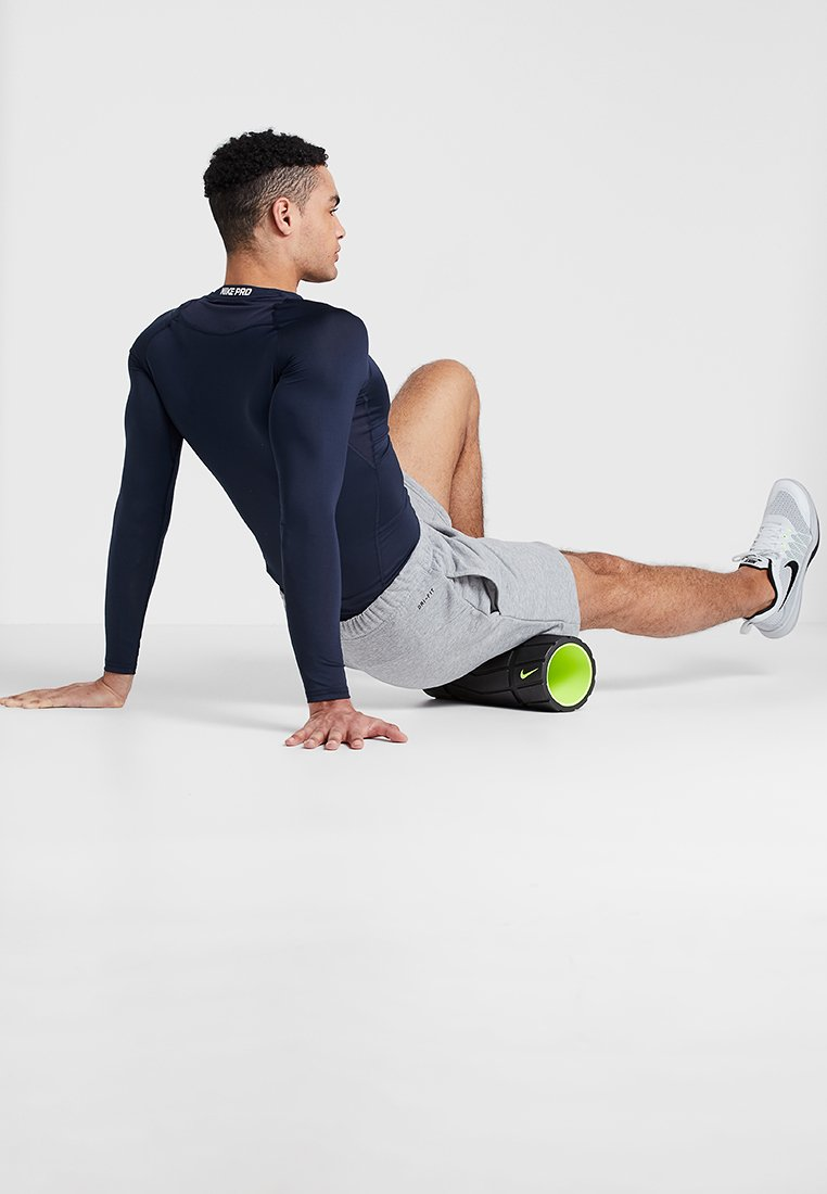 Nike Performance - RECOVERY FOAM ROLLER 13 - Andet - black/volt