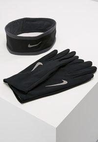 Nike Performance - RUN DRY HEADBAND AND GLOVE SET - Gloves - black/anthracite/silver - 0