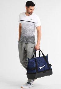 Nike Performance - CLUB TEAM L - Sports bag - midnight navy/black/white - 0