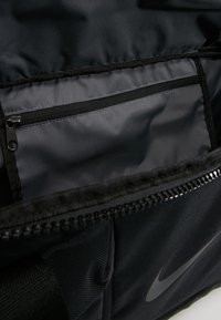 Nike Performance - POWER DUFF - Sporttasche - black/black/black - 4