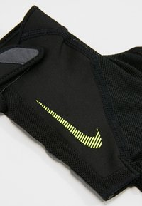 Nike Performance - MEN´S ELEMENTAL FITNESS GLOVE - Handsker - black/dark grey/black/volt - 4