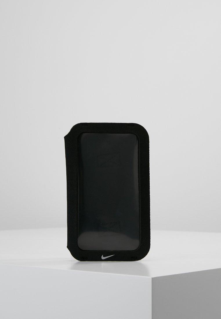 Nike Performance - HANDHELD - Varios accesorios - black/black/silver