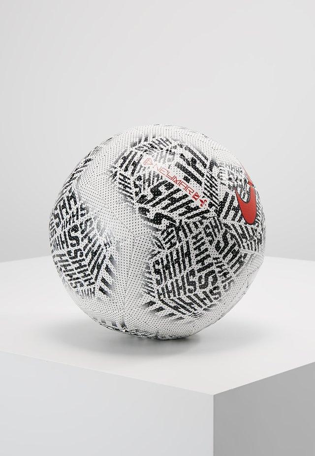 Football - white/black/challenge red