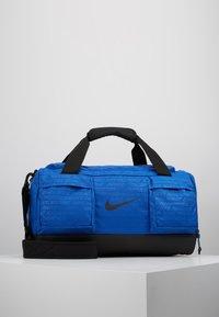 Nike Performance - VAPOR POWER S DUFF  - Treningsbag - game royal/black - 0