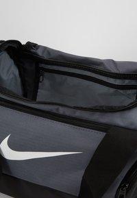 Nike Performance - Sportväska - flint grey/black/white - 4