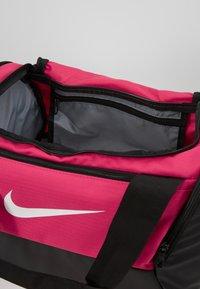 Nike Performance - Bolsa de deporte - rush pink/black/white - 4
