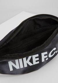 Nike Performance - HIP PACK - Bältesväska - black/white - 4