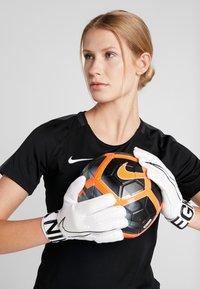 Nike Performance - MATCH - Guanti da portiere - white/black - 1