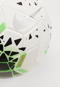 Nike Performance - NIKE STRIKE - Football - white/black/green strike/laser crimson - 2