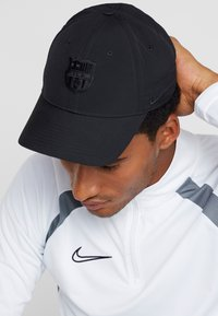 Nike Performance - FC BARCELONA DRY - Pet - black - 1