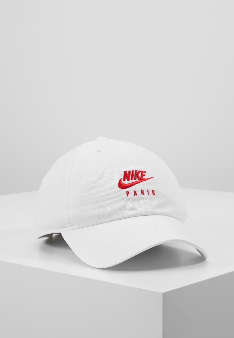 Nike Performance - PARIS ST GERMAIN - Cap - white/university red