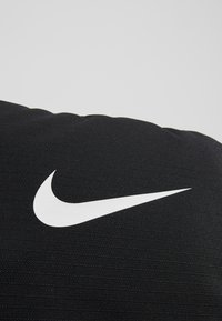 Nike Performance - BRSLA  - Reppu - black/white