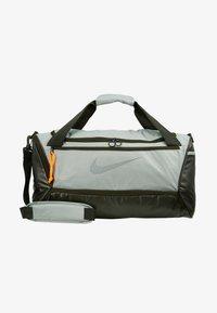 Nike Performance - DUFF - Sportovní taška - jade horizon/sequoia/reflective - 6