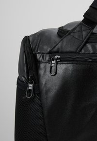 Nike Performance - DUFF - Reppu - black/white - 8